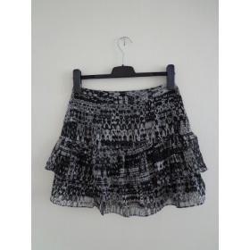 Čierno šedá sukňa s volánom H&M