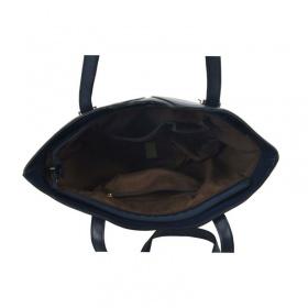 vnútorný priestor modrej dámskej kabelky na rameno