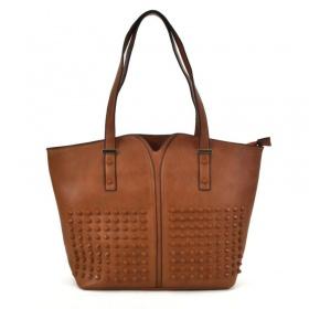 hnedá kabelka cez rameno na praktické použitie