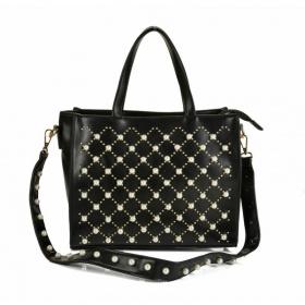 Čierna kabelka s perličkami