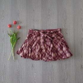 Skladaná bordová sukňa Kenvelo