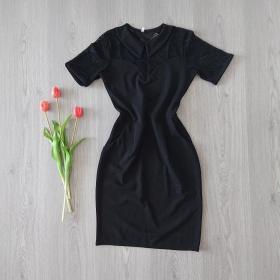 Čierne šaty s krátkymi rukávmi
