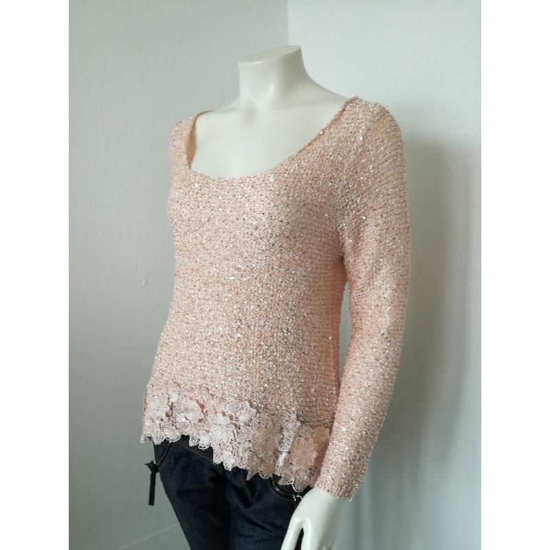 Ružový sveter Promod so zaujímavými trblietkami.