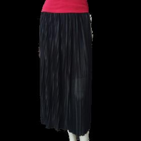 čierna skladaná dámska sukňa