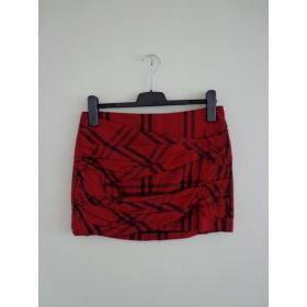 Červená sukňa Zara